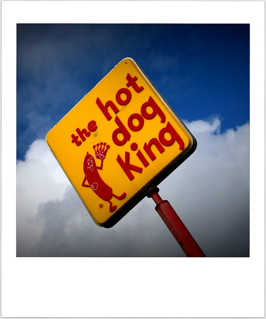 hot dog king  { explore }