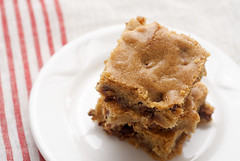 Halloween Candy Bar Blondies