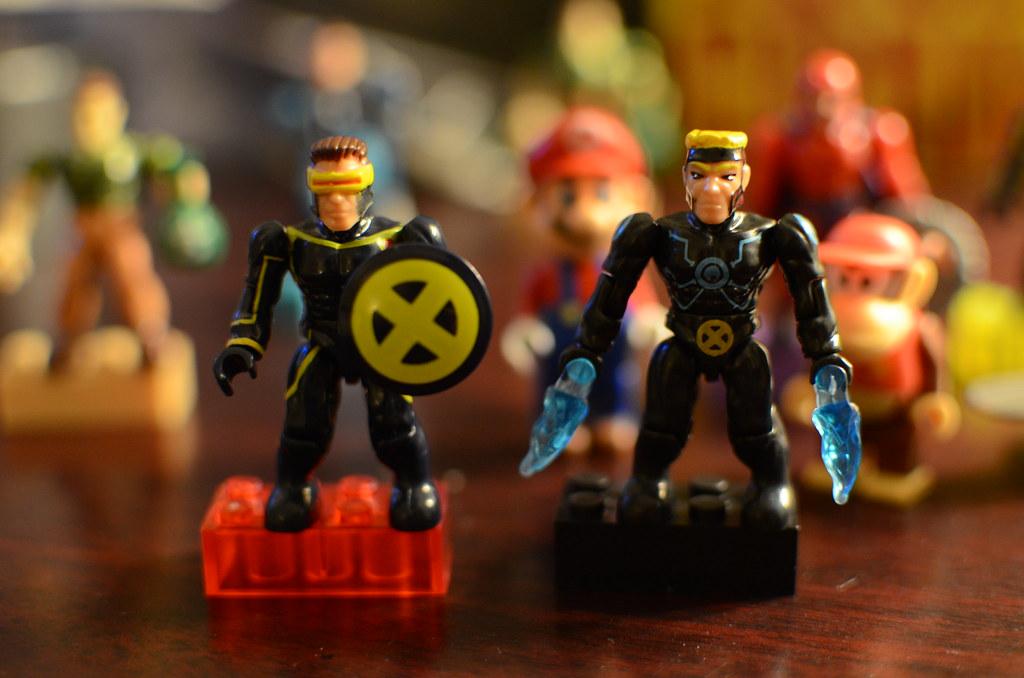 Mega Bloks Cyclops and Havok