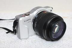 video camera(0.0), cameras & optics(1.0), digital camera(1.0), camera(1.0), single lens reflex camera(1.0), lens(1.0), camera lens(1.0), reflex camera(1.0),