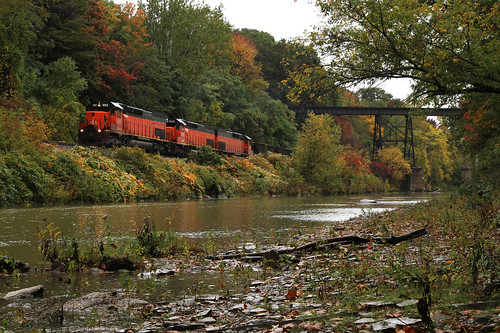 ohio lake cn trains canadian national oh erie railroads ble bessemer 902 emd sd40t2 conneaut