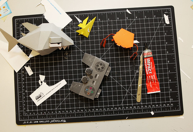 Derrick the Deathfin DualShock 3 Papercraft
