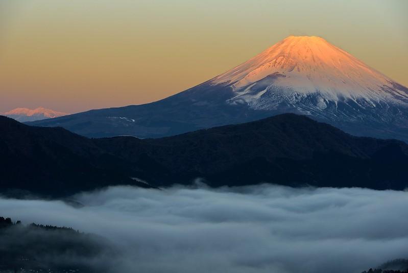 芦ノ湖に浮かぶ雲