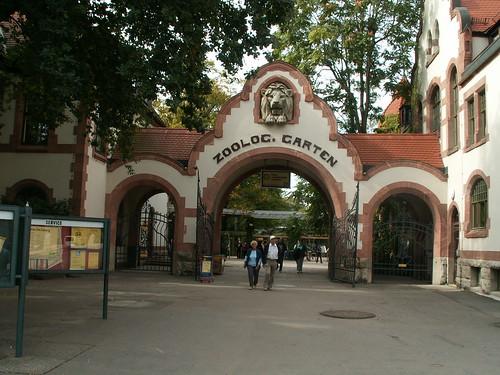 Leipziger Zoologischen Garten mit Zuchtbüchern für bedrohte Tierarten 0738