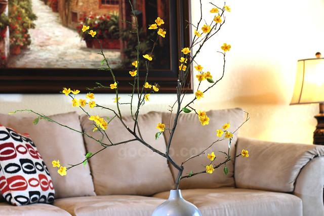 Vietnamese New Year ume blossom decoration (Hoa mai bằng vải dạ nỉ)