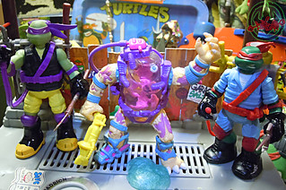 "Nickelodeon ""MUTAGEN OOZE"" TEENAGE MUTANT NINJA TURTLES :: OOZE TOSSIN' RAPH & OOZE SCOOPIN' DONNIE xv // .. with MUTAGEN MAN '90  (( 2013 ))"