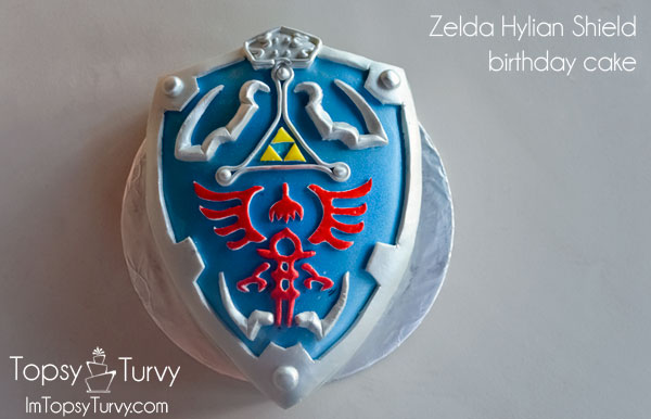 legend-zelda-hylian-shield-birthday-cake