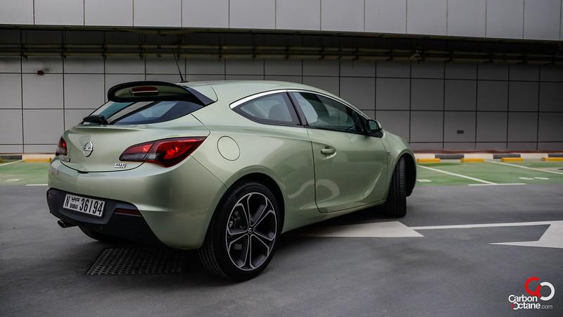 2013 - Opel Astra GTC rear threequarter.jpg