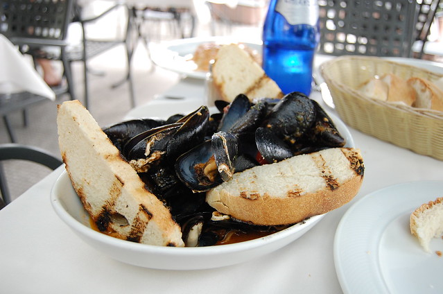 Italian lunch mussels seafood 2