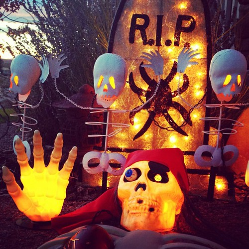 These are some of my favorite #halloween #decorations -especially my vintage dancing skeletons! #boo