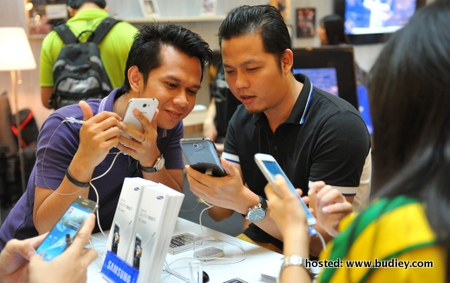 GALAXY Note II Arrives in Malaysia