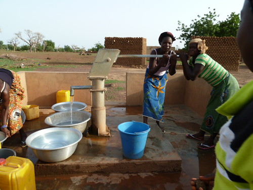 africa water women village farming westafrica agriculture climatechange gender adaptation burkinafaso cgiar borehole foodsecurity ccafs amkn cgiarclimate