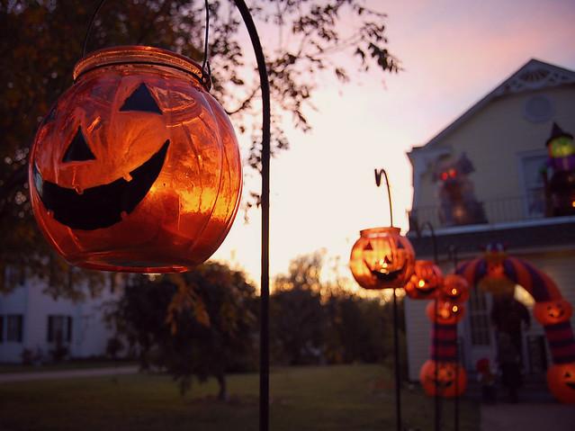 glass jack-o-lantern
