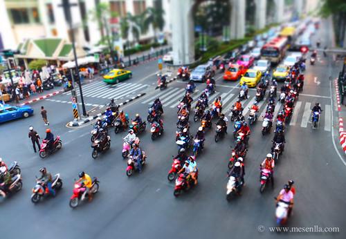 Motos en el centro de Bangkok