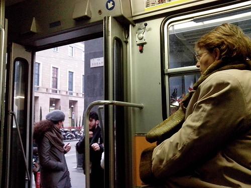 Tram della linea 24 in via Dogana by Ylbert Durishti