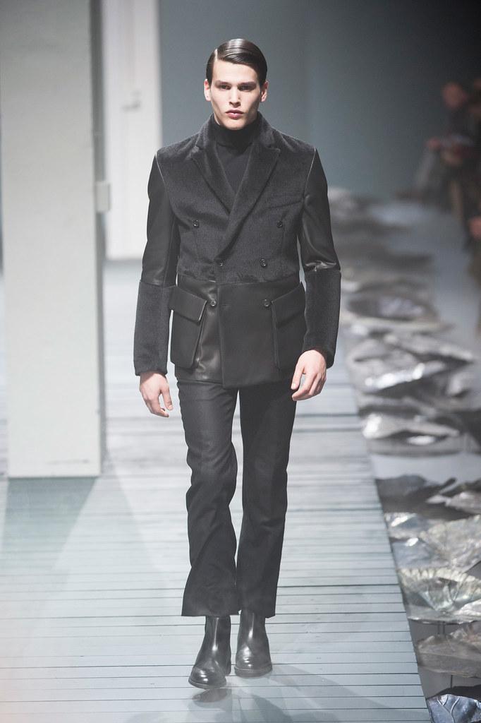 FW13 Milan Corneliani041_Simon Van Meervenne(fashionising.com)