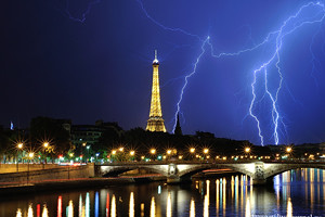 Thunder storm in Paris