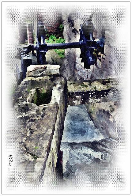 La roue du moulin de la pannevert entre rouen darn tal 76 le long du - Moulin de la borderie ...