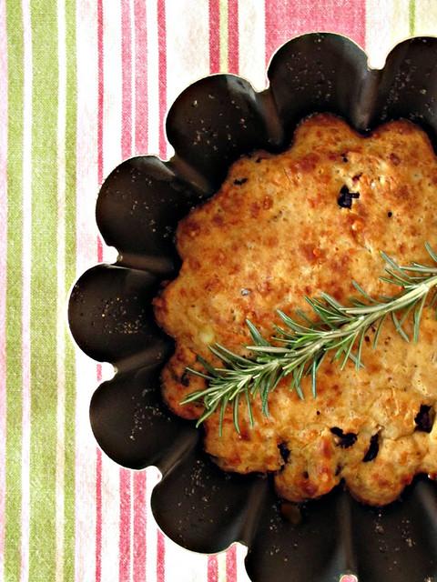 """Muffin """"Gastronomico"""" di Cotognata e Asiago con Crema di Lardo al Rosmarino"""