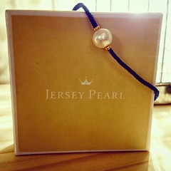 I now own a real pearl!!  #bracelet #pearl #blue #gold #fashion #peridot #jewelry #gold #love #accessories #handmade #su #alive #jersey #jerseypearl #jerseypearls #grandparents #gift #holiday