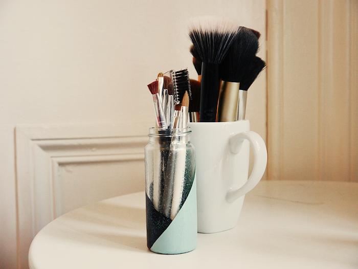 diy makeup brush holder 6