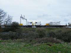 DR98011 DR98009 Kingsthorpe 050412