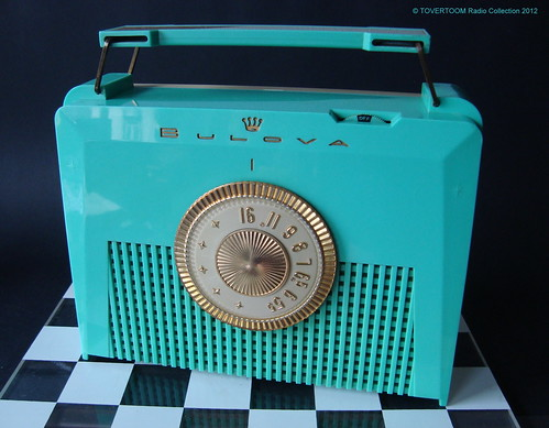 BULOVA Plastic Portable Tube Radio  Model 280PC (USA 1956)_1