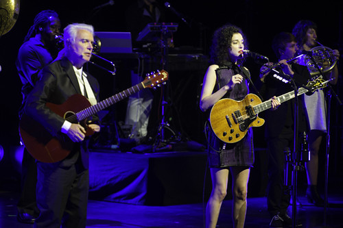 david_byrne_and_st_vincent-segerstrom_concert_hall_ACY5847