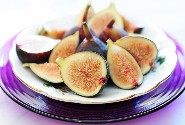honey sweet sliced figs
