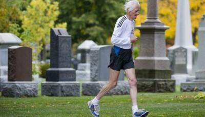 Ed Whitlock, 81, opět zaběhl světový rekord v maratonu - 3:30:28