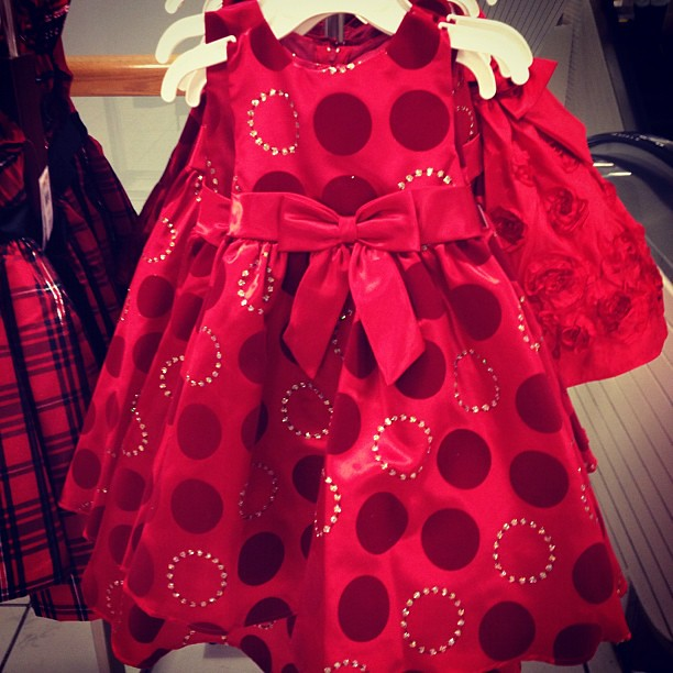 I hope someday I have a little girl to dress up for the holidays in adorable dresses like this one.