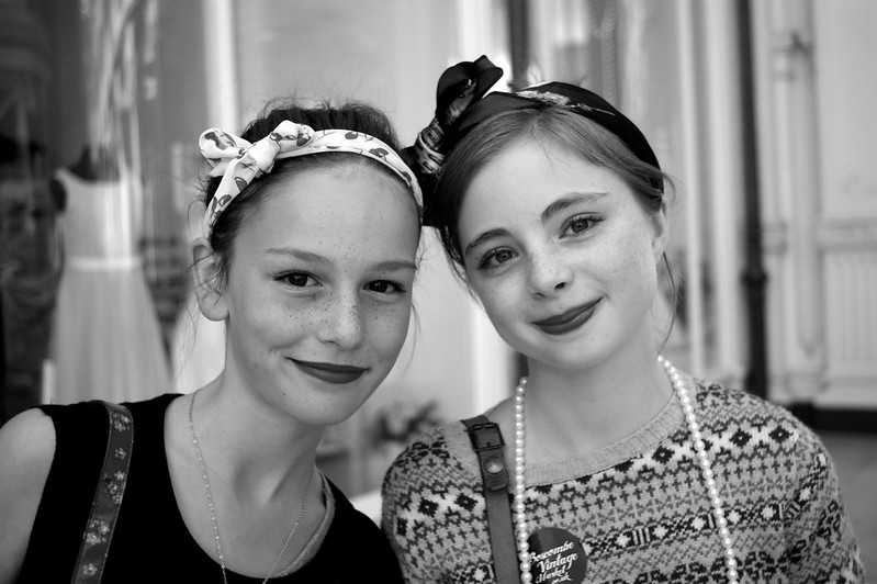 (06-10-2012) Tilly & Emillie 2