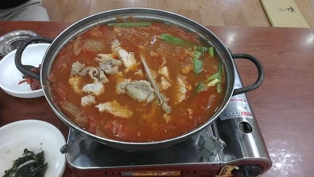 美津餐廳吃泡菜鍋