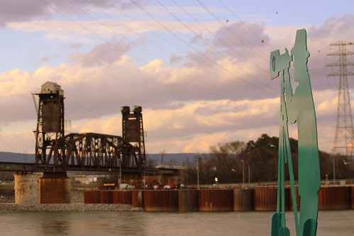 A Spot to See the Tennessee River Railroad Bridge - Chattanooga, TN