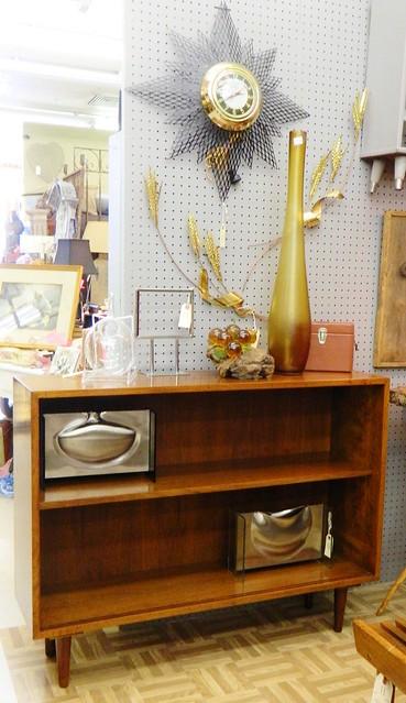 mid century inventory via homeologymodernvintage.com