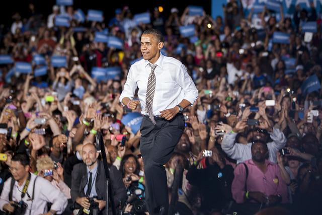 Obama on Cleveland Tarmac-13