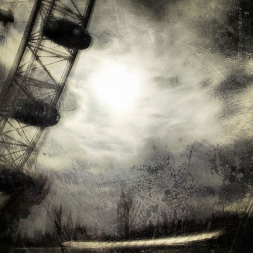 iPhoneography 381 >One Dark London Night | London Series<