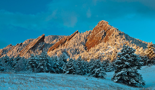 mountains nature sunrise colorado boulder rockymountains flatirons colorfulcolorado boulderflatirons