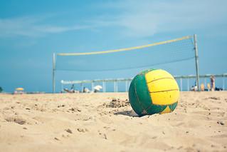 Image of Platja del Regueral. red españa sun net sol beach sport ball spain sand playa catalonia arena verano deporte volleyball catalunya es volley cambrils cataluña pelota balon voley a3b
