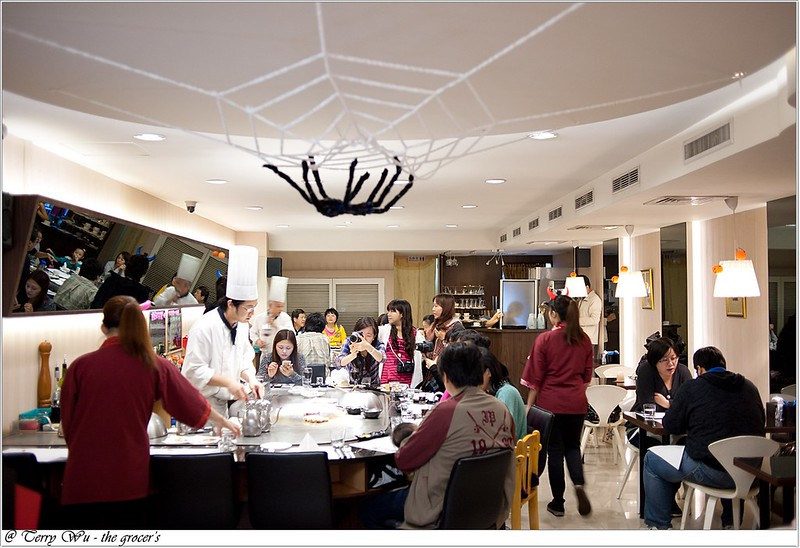 2012-10-31 萬聖節旺紅喝麥茶 a (3)