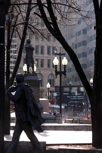 statue boston massachusetts newengland faneuilhall streetshot bronzesculpture suffolkcounty formermayor kevinhwhite img5914 orianaitaly sculptorpabloeduardo