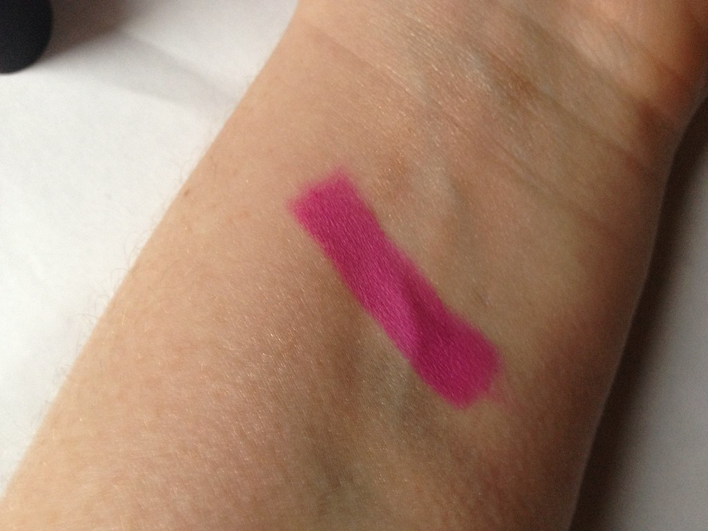 Sleek True Colour Matte Lipstick in 'Amped' (7)