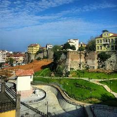 El vacío entre las murallas bizantinas lo volvieron un parque