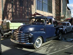 automobile(1.0), automotive exterior(1.0), pickup truck(1.0), vehicle(1.0), truck(1.0), chevrolet advance design(1.0), compact car(1.0), antique car(1.0), vintage car(1.0), land vehicle(1.0), luxury vehicle(1.0), motor vehicle(1.0),