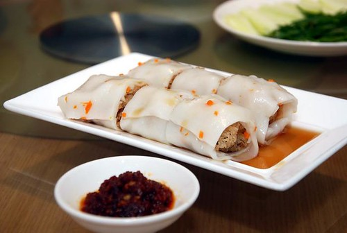 Di Wei Deep fried crisp rice rolled over fresh rice noodle