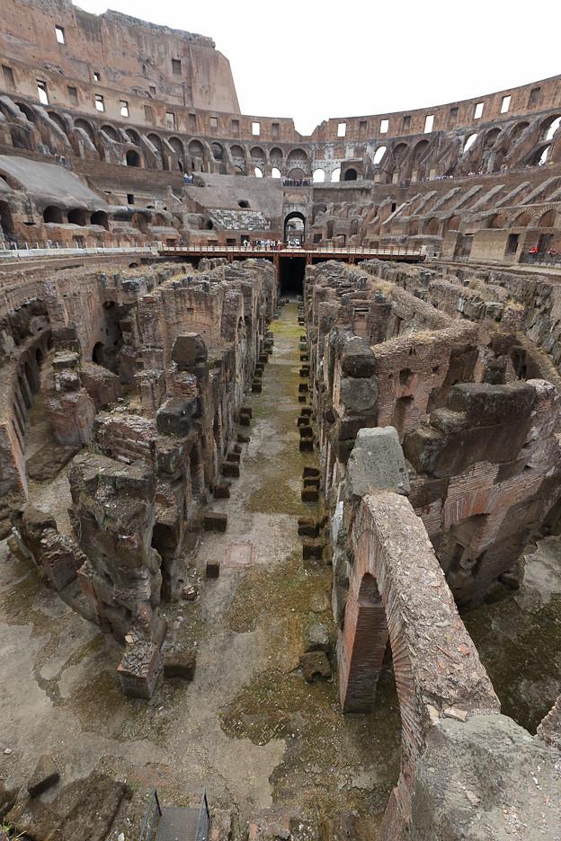Фасад Колизея был облицован травертином