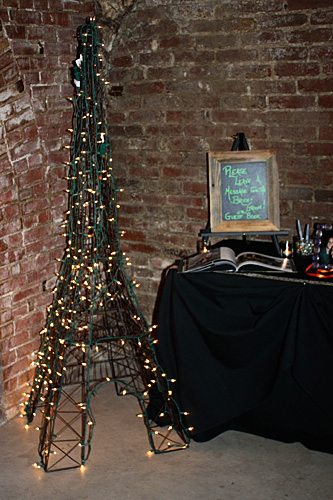 Light-up-eiffel-towe