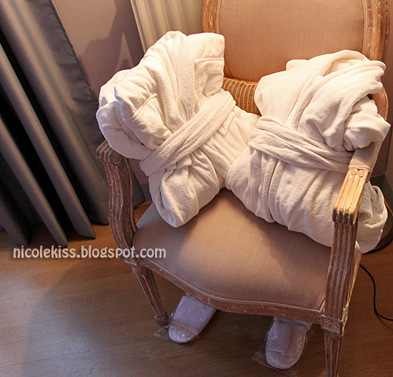 paris hotel bathrobes