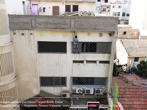 Trabajos sobre fachada en Dakar