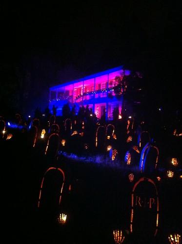 Blaze - pumpkin tombstones
